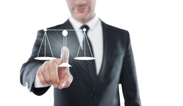 Choosing a Lawyer Mario Gunde Peters & Kelley
